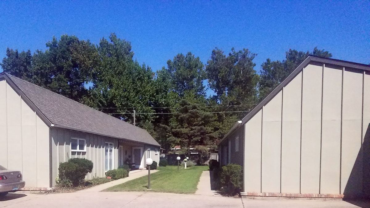 Charming Apartments For Rent Springfield, IL At Cardinal Drive.